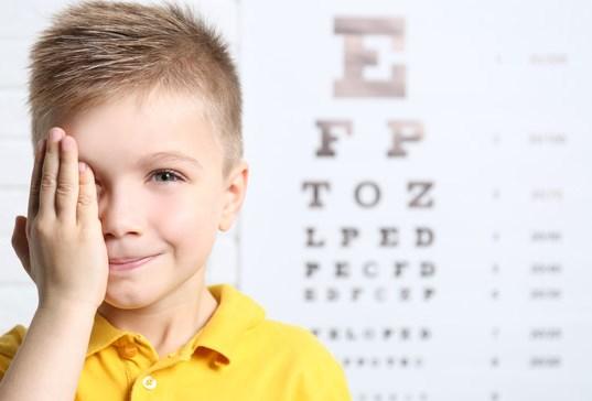 Как выявить проблемы со зрением у ребенка