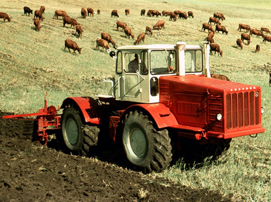 Трактор K-700: история и модификации